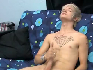 Austin getting his cock rock and hard